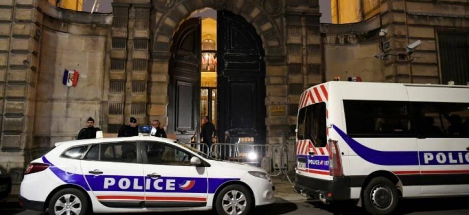 L'entrée des bureaux de Benjamin Griveaux après l'intrusion des