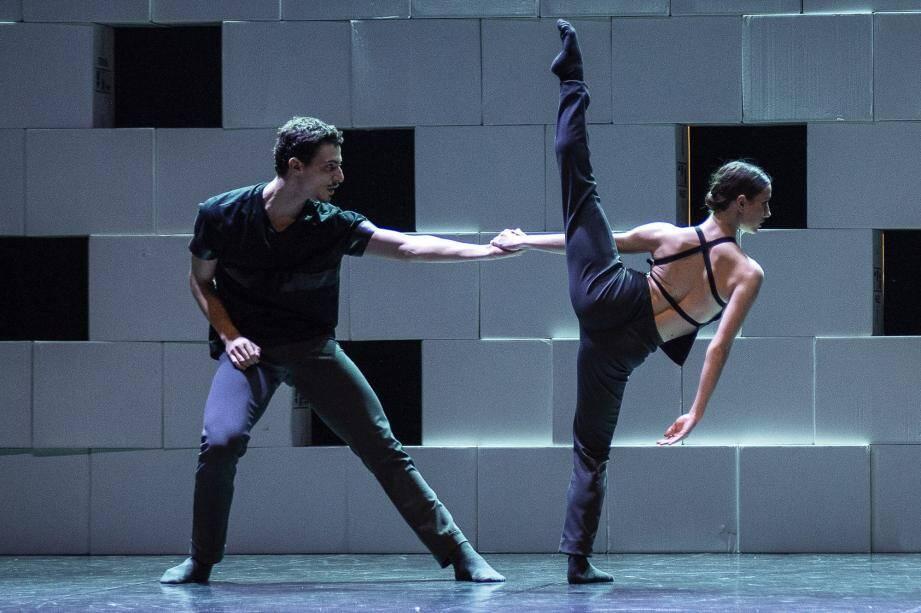 L'Agora Coaching Project est un projet de perfectionnement en danse établi en Italie.