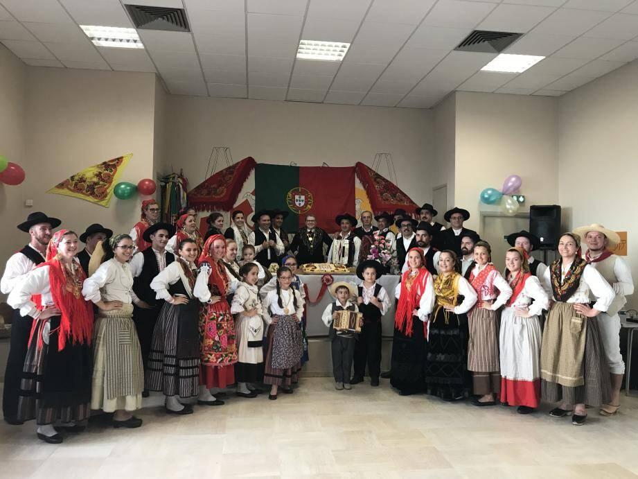 Vous assisterez, dès 15 h, au défilé du groupe folklorique des Portugais de Monaco.(DR)