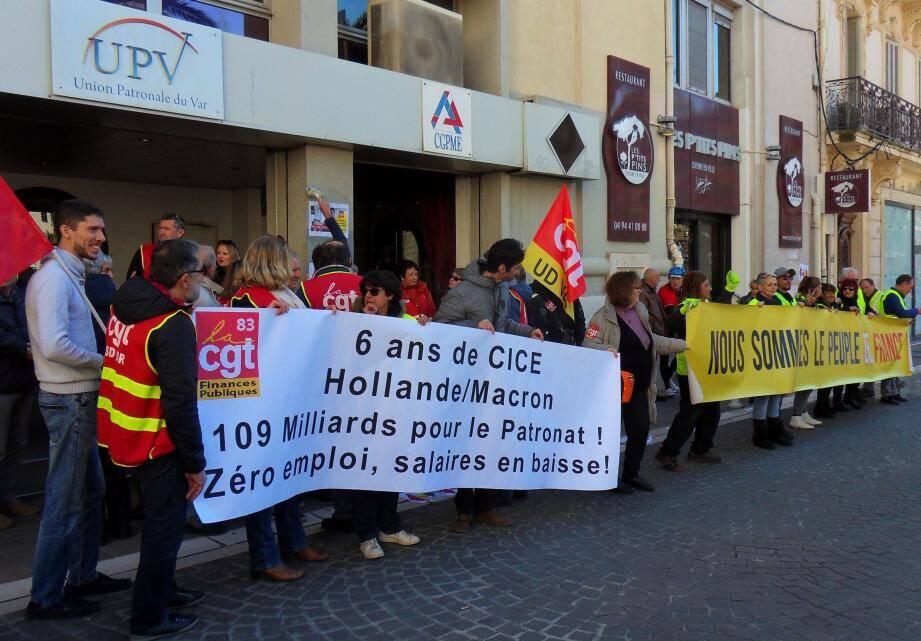 Dans le cadre des mardis de l'urgence sociale, La Confédération générale du travail a manifesté hier devant l'Union patronale du Var. Une délégation portant ses revendications y a été reçue.