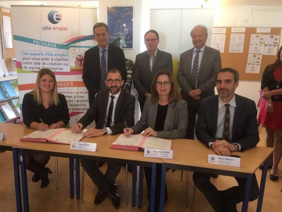 Le syndicat intercommunal a signé lundi une convention de partenariat avec Pôle emploi.