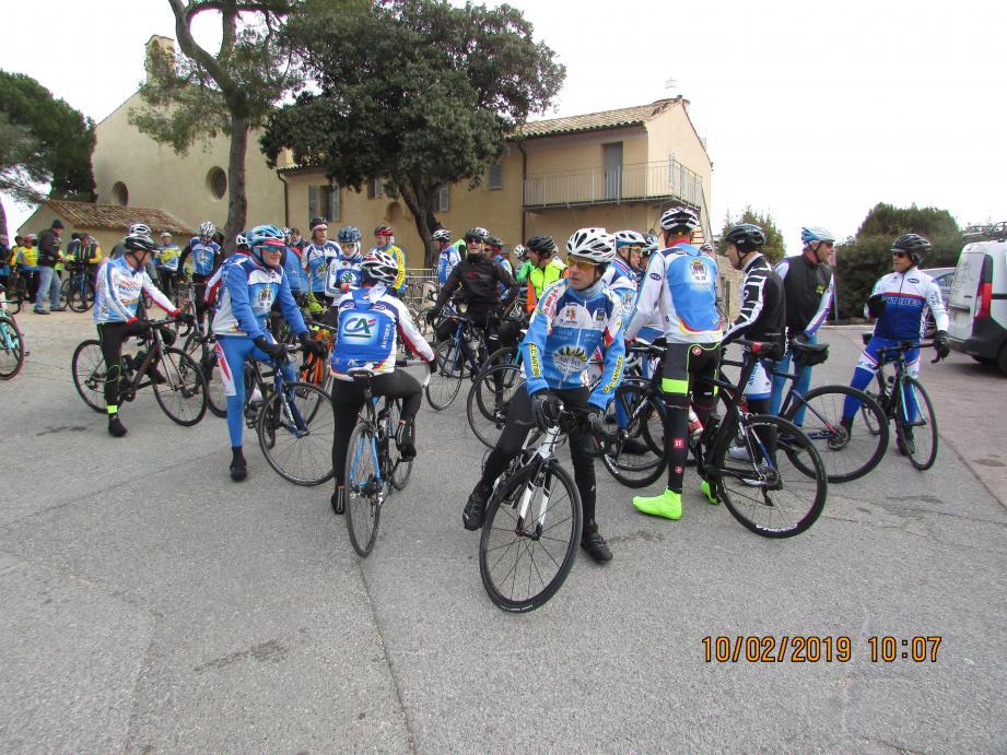 Les cyclistes présents à la Garoupe.