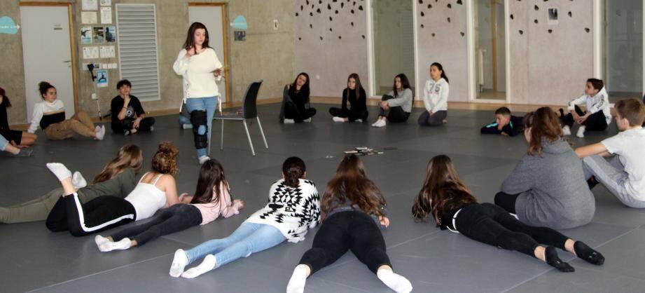 Les Jeunes Vinonnais ont participé au jeu de rôles « loup garou ».