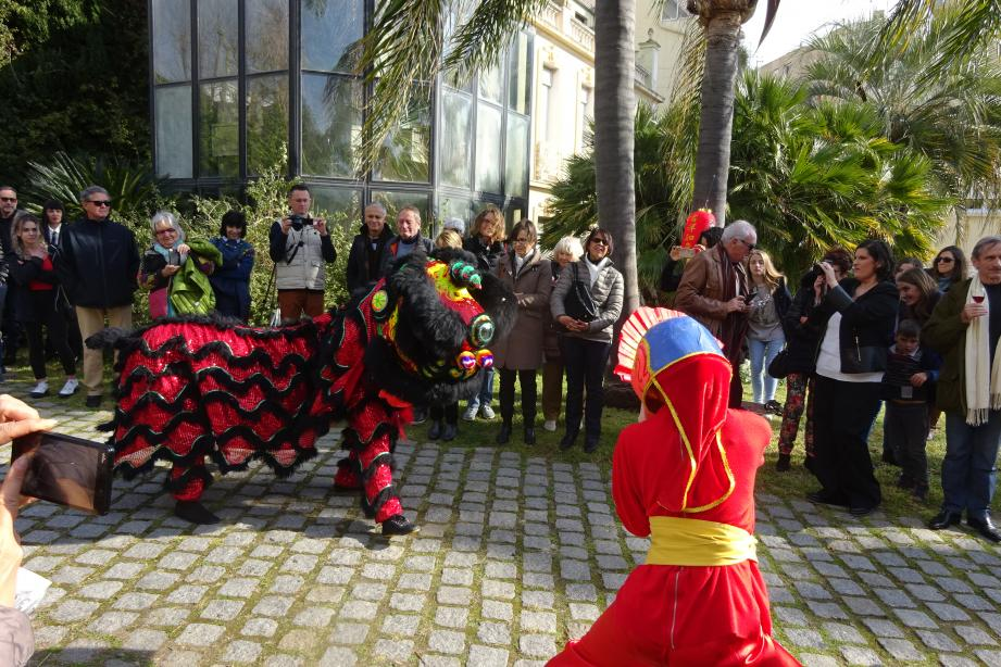 Le Musée des arts asiatiques a inauguré joyeusement l'exposition « Taoïsmes ».