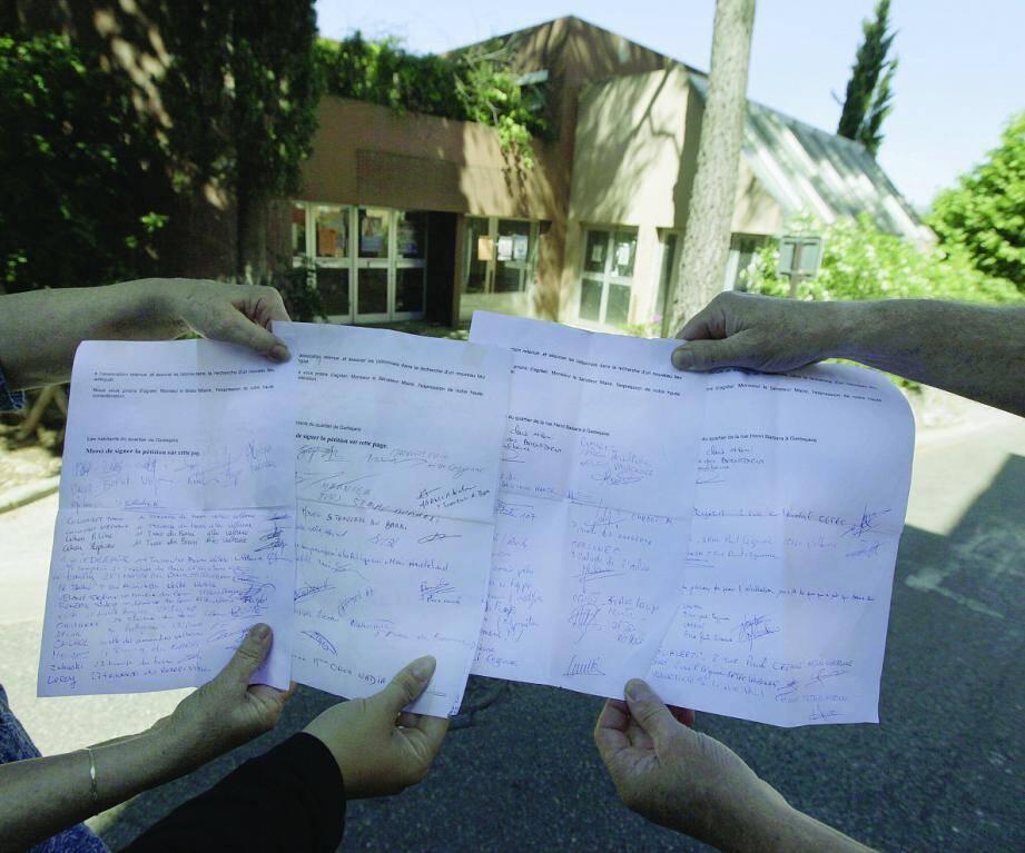 En 2012, plusieurs habitants de Garbejaïre avaient lancé un recours contre la salle de culte.