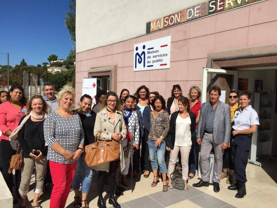 Les permanenciers et le personnel de la MSAP au service de la population.