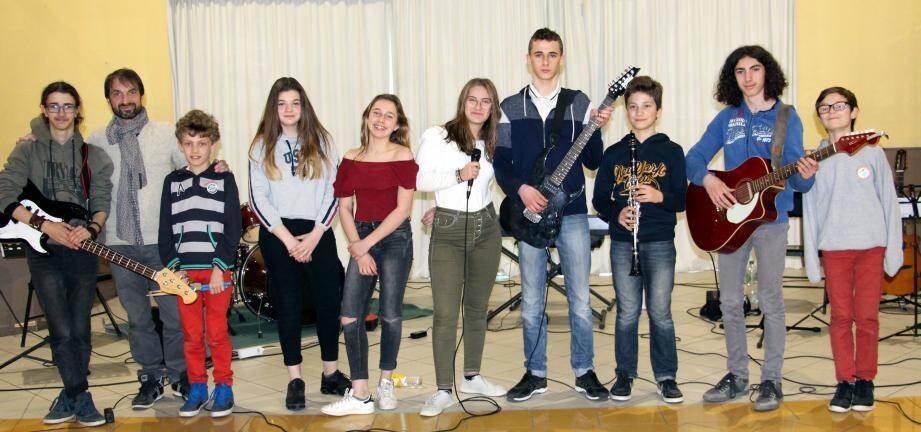 Les jeunes musiciens stagiaires ont asuré le show.