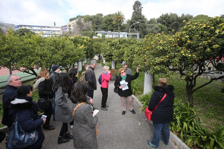 Durant la Fête du citron, les visiteurs peuvent découvrir les jardins de Menton comme celui du Palais de Carnolès.