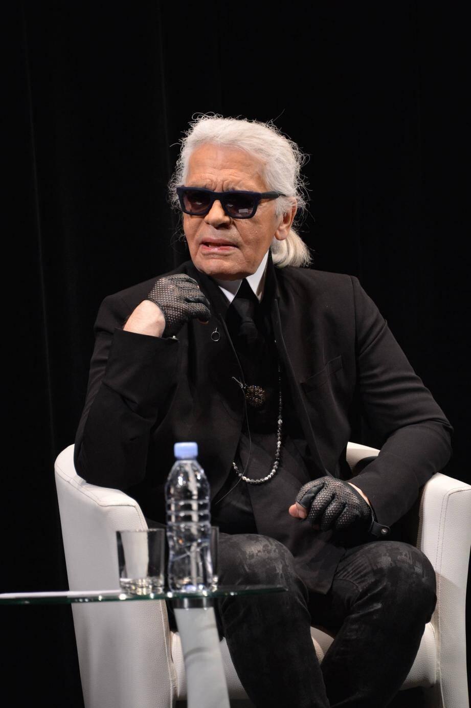 « Je n'ai jamais d'estime pour ce que j'ai fait », disait Karl Lagerfeld, même si travailler était pour lui « aussi naturel que de respirer ».