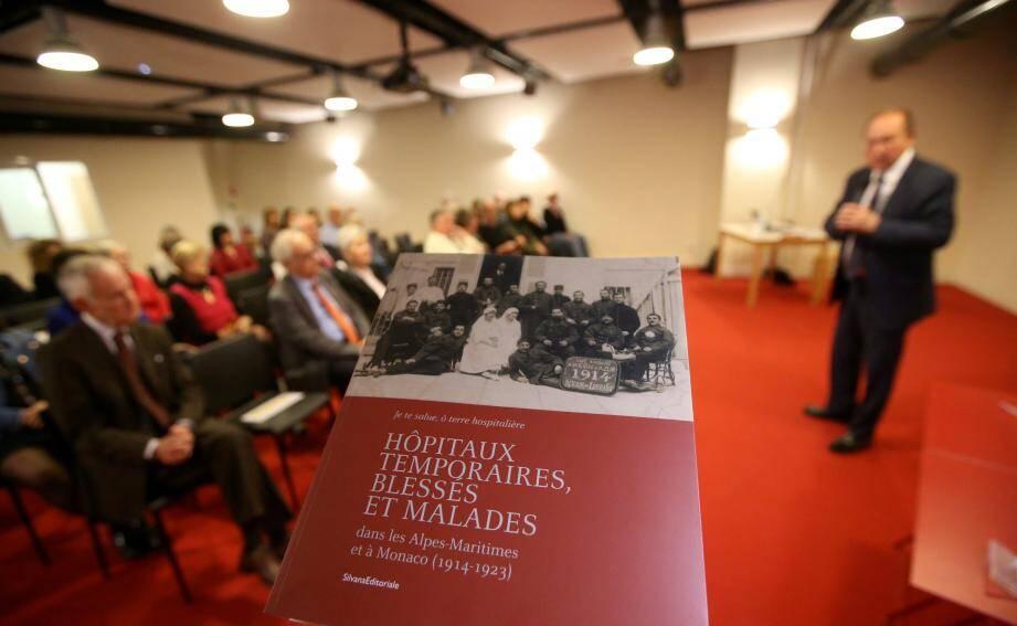 L'ouvrage est consultable à la bibliothèque municipale de Menton.