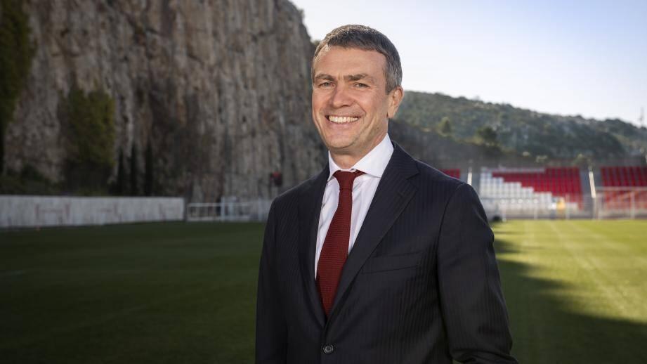 Oleg Petrov, 55 ans, arrive officiellement au club.