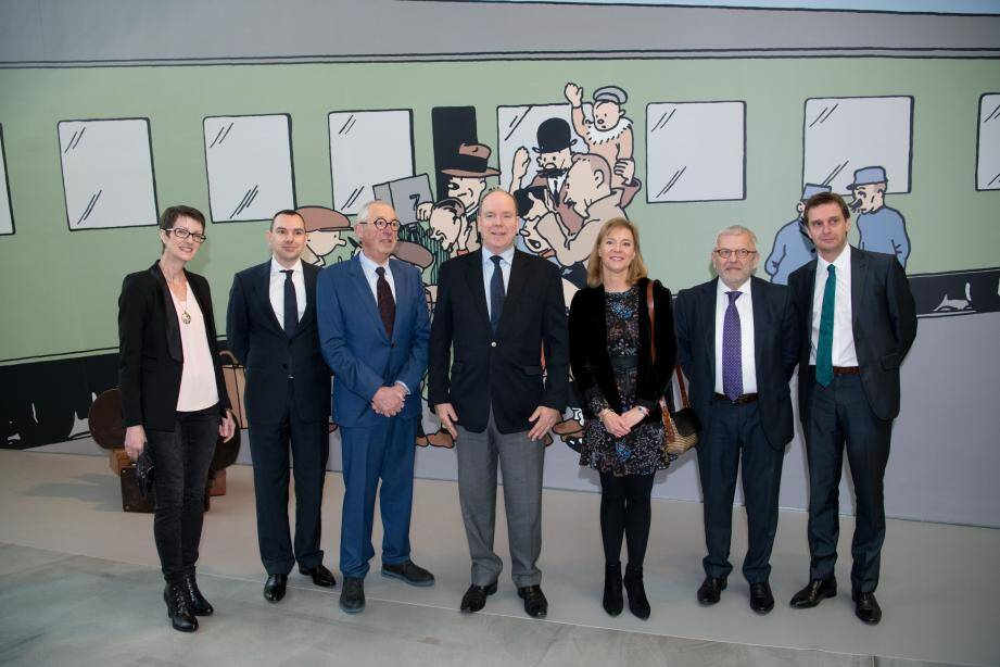 Au musée Hergé, le souverain a eu la surprise de recevoir un tirage photographique de sa mère, la princesse Grace, lors d'une rencontre avec Hergé.
