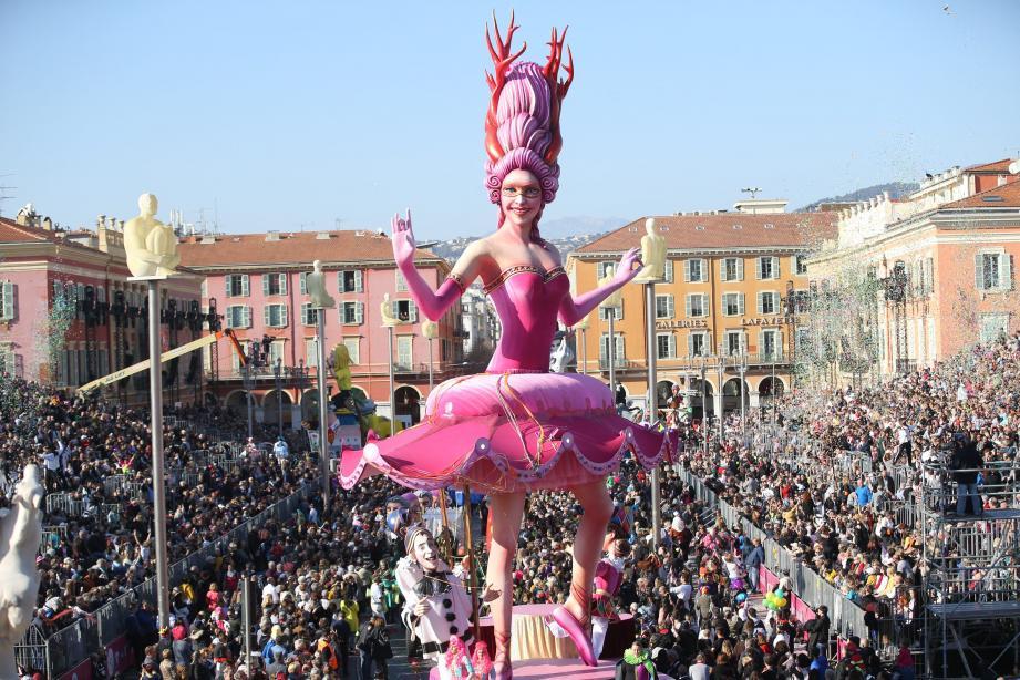 La reine du carnaval, dimanche, place Masséna.