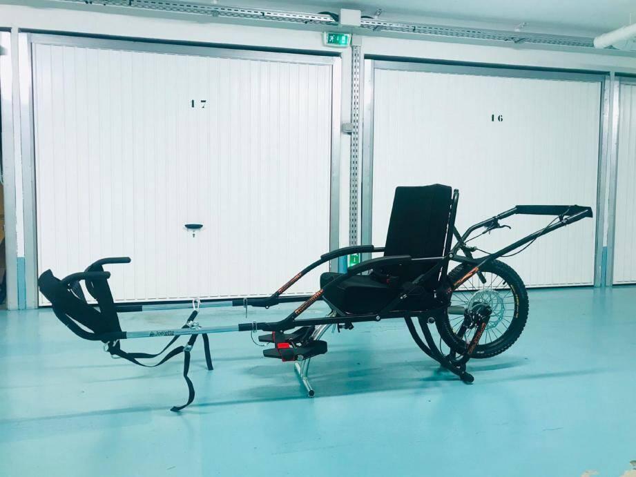 Les bénéfices de la soirée permettront de financer une joëlette, permettant à des handicapés de participer à des randonnées. (DR)