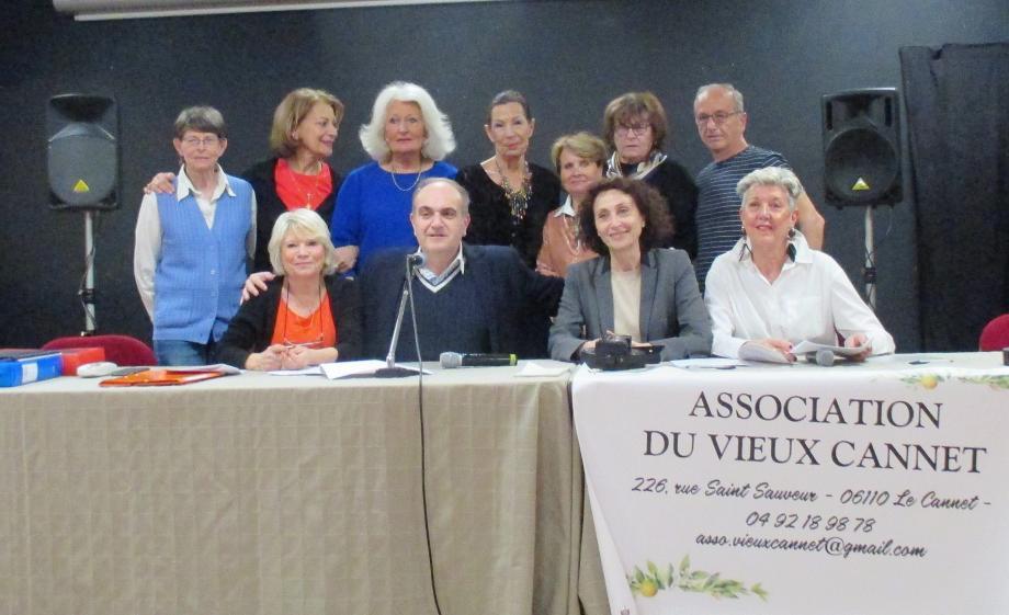 Le bureau de l'association a été reconduit par le vote de l'assemblée.