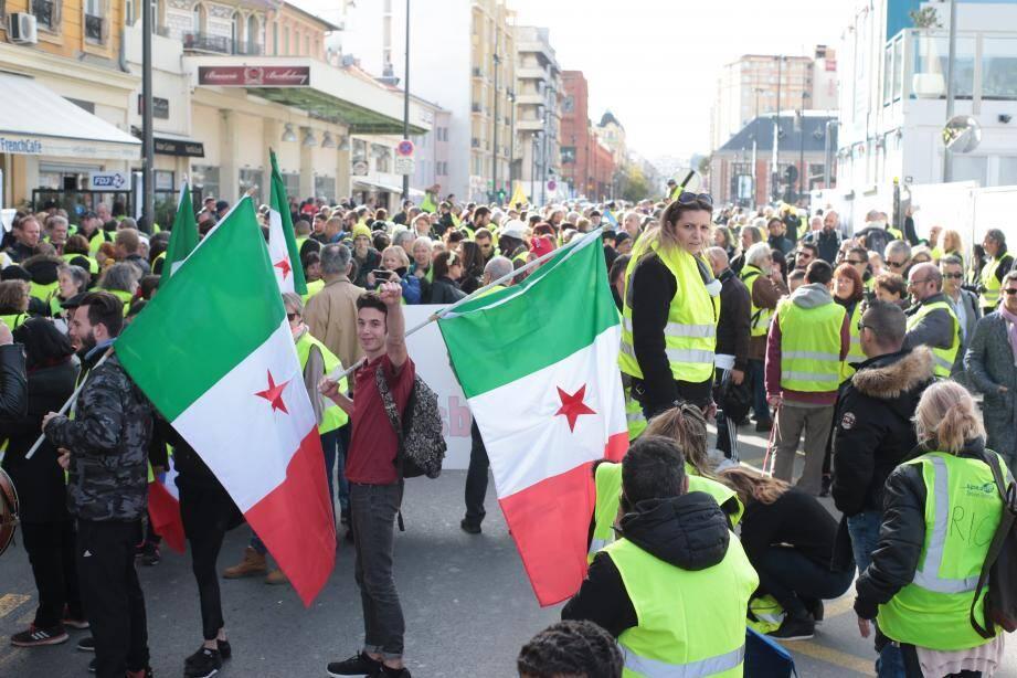La manifestation à son départ de la gare Thiers.