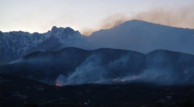 Un incendie du côté de Calenzana ainsi qu'une vingtaine d'autres en Haute-Corse a été favorisé par un vent violent tourbillonnant.