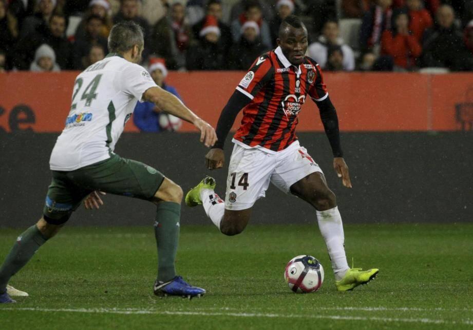 Ganago titulaire à la pointe de l'attaque de l'OGC Nice.