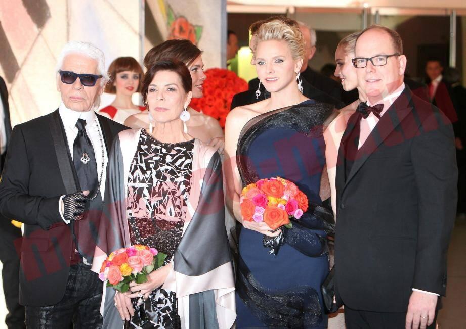 Le couple princier et Karl Lagerfeld au Bal de la Rose.