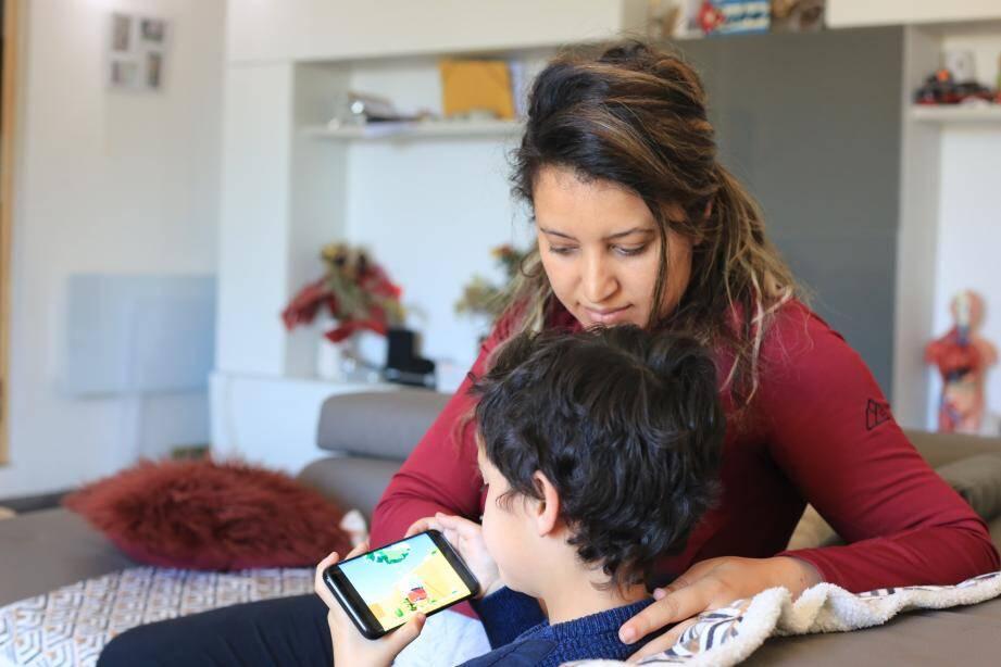 Gabriel, âgé de 6 ans, est atteint d'autisme léger.
