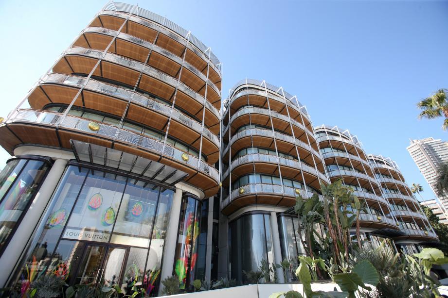 La Société des Bains de Mer positionne son nouvel écrin comme l'une des expériences shopping les plus uniques au monde.