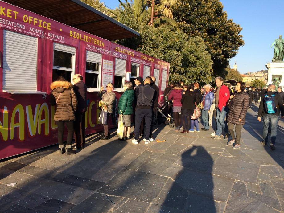 Dès ce mercredi après-midi, de nombreux spectateurs se sont fait rembourser leur ticket d'entrée en promenoir à la billetterie du Paillon.