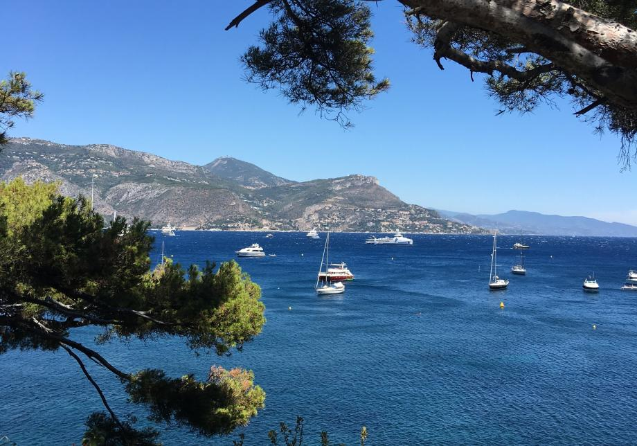 La Côte d'Azur sous le soleil, ici depuis Saint-Jean-Cap-Ferrat.