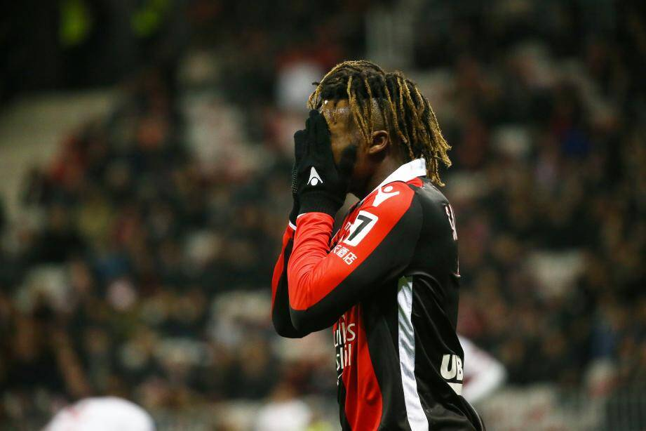 Allan Saint-Maximin sanctionné par l'OGC Nice.