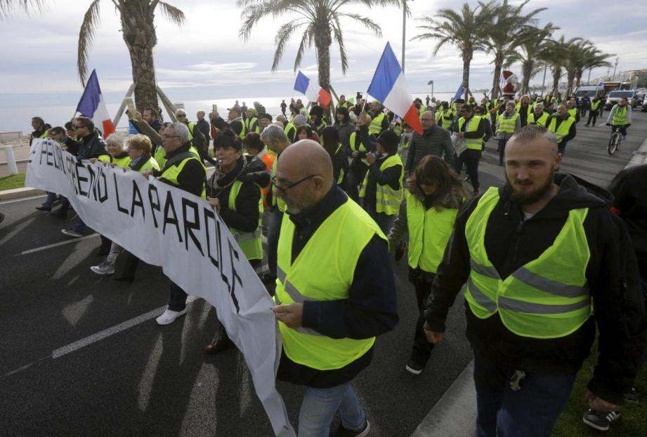 """Des """"gilets jaunes"""" en manifestations sur la Promenade des Anglais dimanche 2 décembre"""