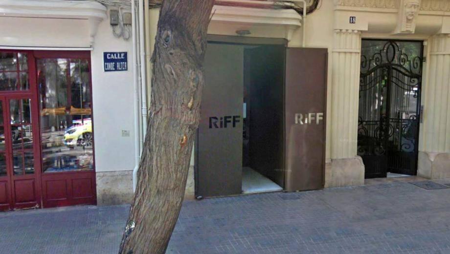 L'entrée du restaurant Riff à Valence.