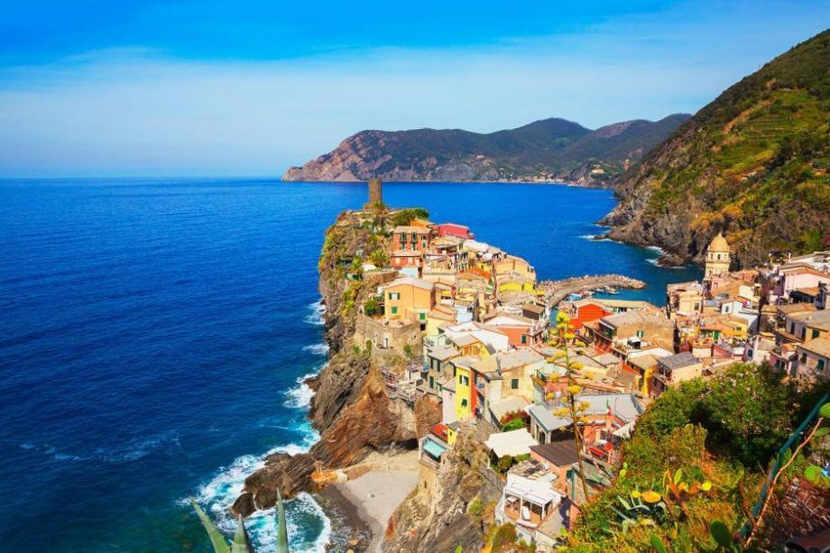 Chaque année, près de 2,5 millions de visiteurs se rendent sur la Riviera italienne pour s'aventurer dans les cinq villages classées au Patrimoine mondial de l'Unesco depuis 1997.