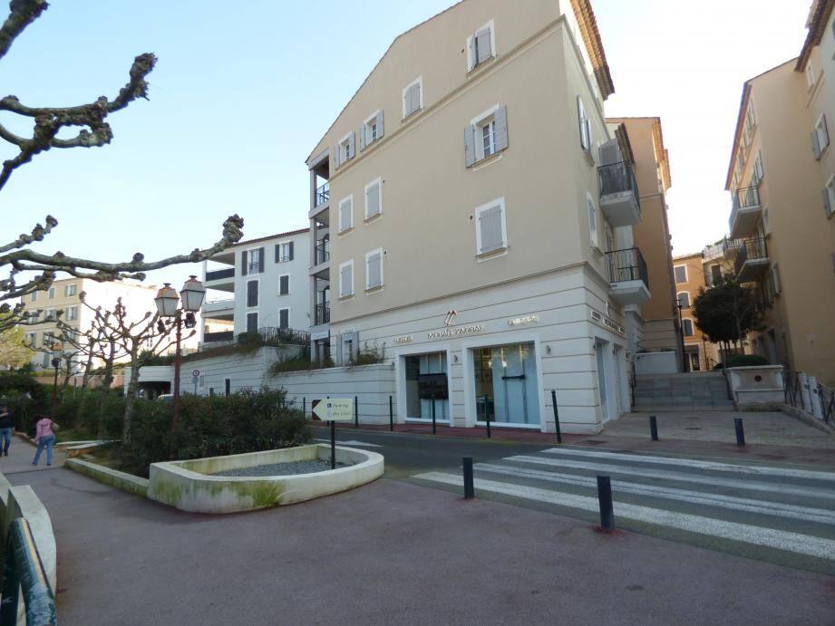 Ici la dalle des Lices, l'un des trois sites aménagés par la société Kaufman & Broad Provence.