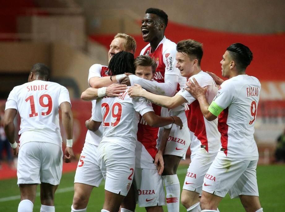Monaco vise une quatrième victoire en cinq matches à Angers.