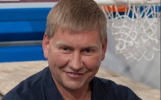 Geir Helgemo a été suspendu un an à la suite d'un contrôle antidopage positif à la testostérone.