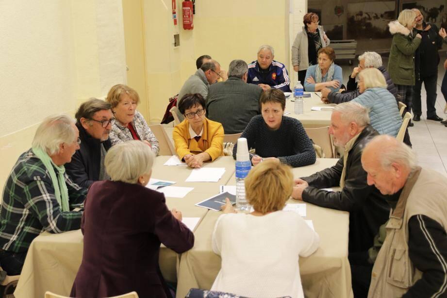 Une trentaine de participants a débattu librement autour des quatre thématiques proposées dans le cadre du grand débat.
