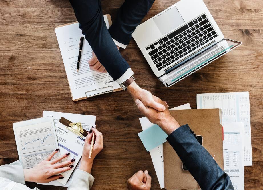 La création d'un caducée permettra d'identifier les professionnels du secteur. (Ph. Unsplash)