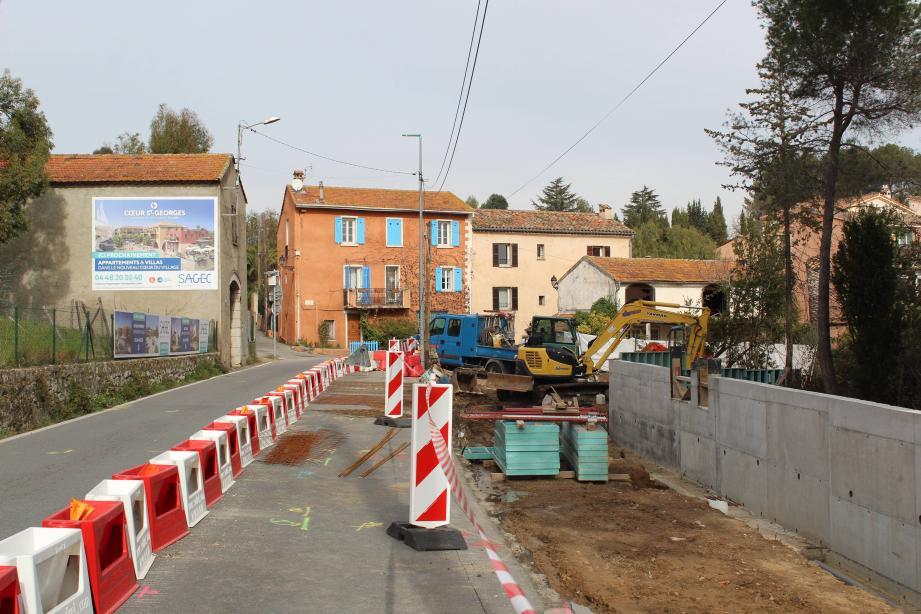 Le  chemin piétonnier et la traversée du village ont été évoqués lors du débat d'orientation budgétaire.