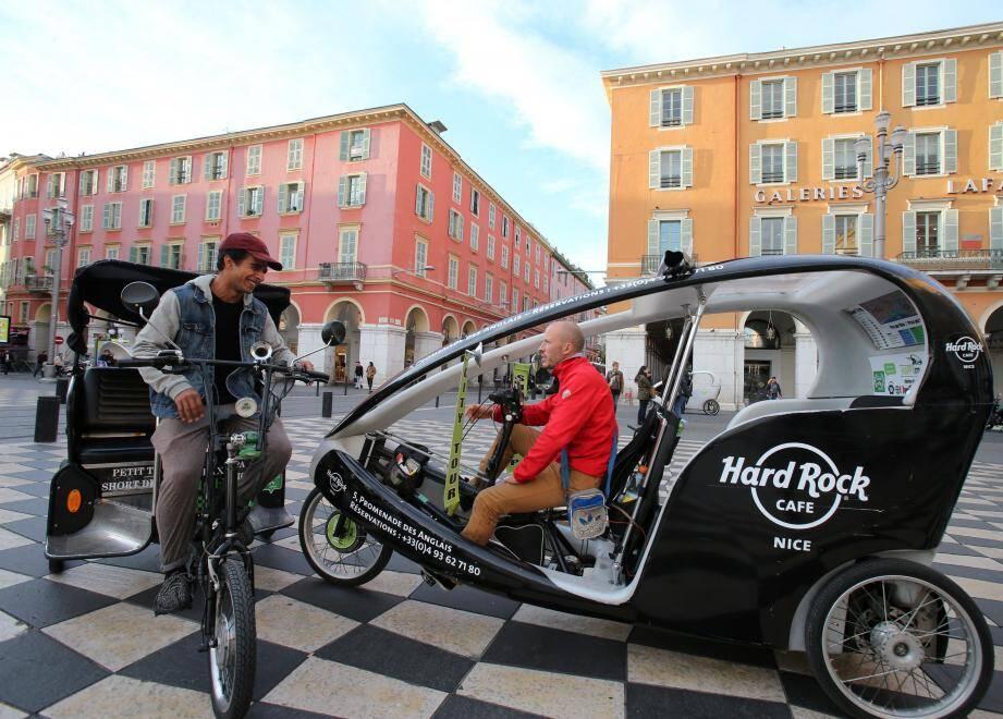 Les vélotaxis de la Cavaleta, de Cyclopolitain ou encore de Happy moov, ici en 2017, se battaient depuis des années pour faire le ménage au sein de leur profession gangrénée par des triporteurs fantômes, dont certains venaient tout droit des pays de l'Est.