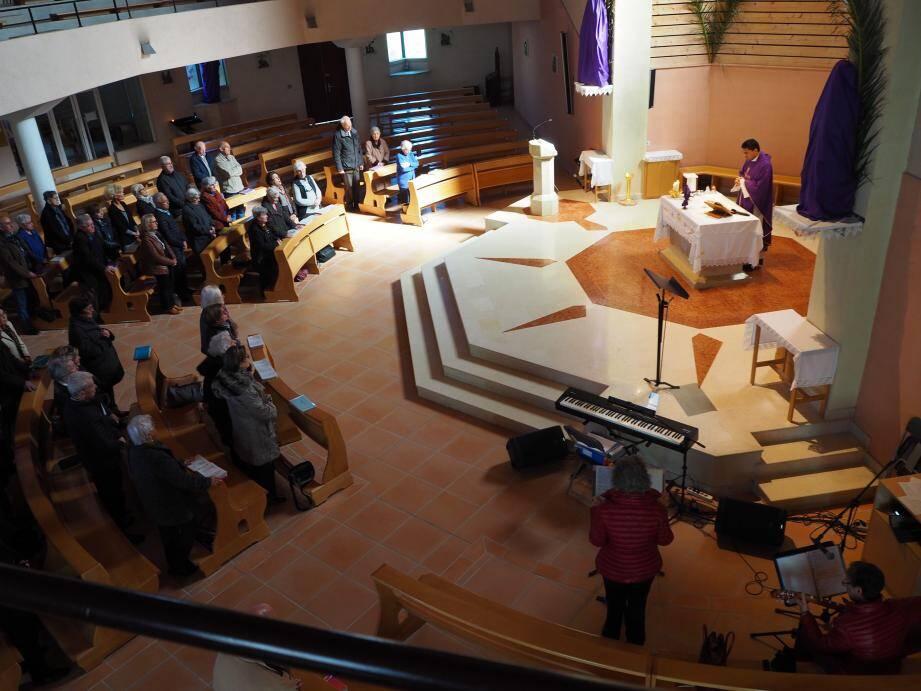 Deux messes sont célébrées à Six-Fours en ce jour de mercredi des Cendres.