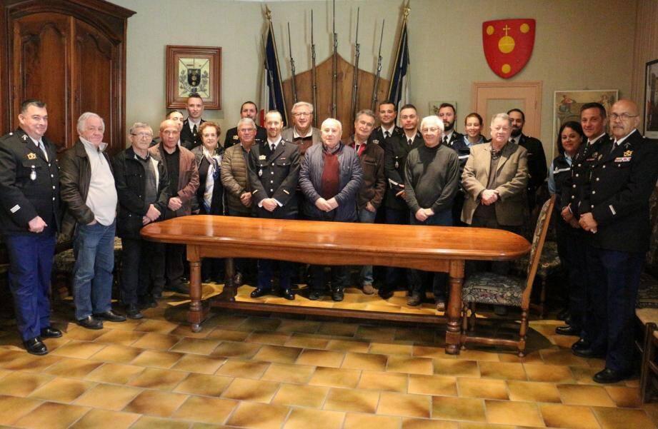 La Communauté de Brigade et les élus réunis pour un moment d'échanges.
