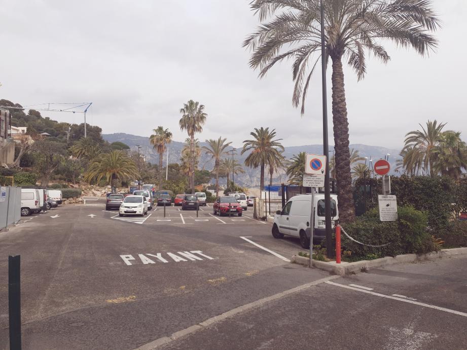 Le parking de la plage Cros-dei-Pin et celui de Passable resteront ouvert encore une saison.