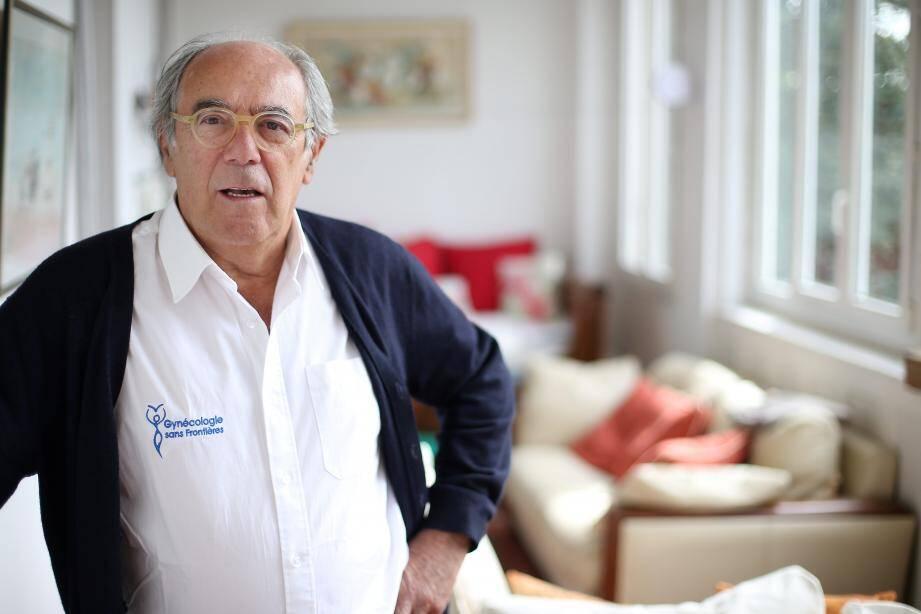 """""""Ces consultations s'adressent aux femmes françaises qui n'ont plus de droit, sont en dehors du circuit de la santé, les migrantes, celles qui sont dans les Cada"""", explique le Dr Boyer."""