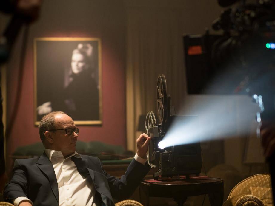 Le souverain, narrateur du documentaire, est aussi l'acteur principal de la séquence d'ouverture du film, tournée au Palais princier.
