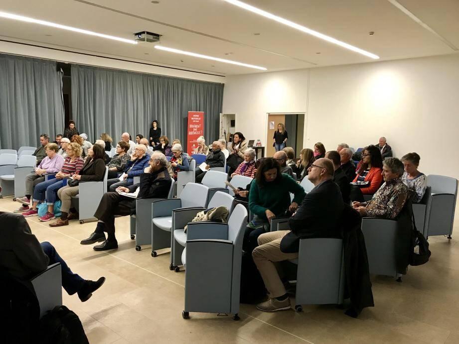 Les mutuelles de la Mutualité Française ont organisé une réunion pour collecter les propositions des citoyens, qui seront transmises au gouvernement.