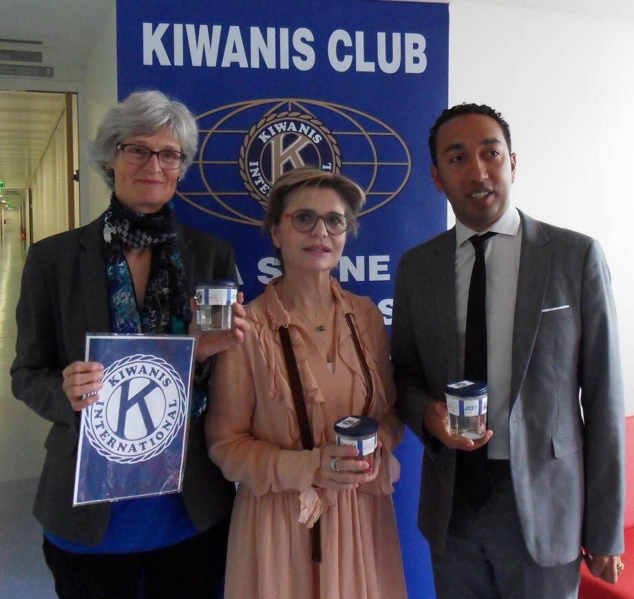 Uta Joulian, déléguée du Kiwanis ouest Var et Gap, Brigitte Genetelli et Frédéric Rodrigues, cadres du Chits Toulon - La Seyne, partenaires.