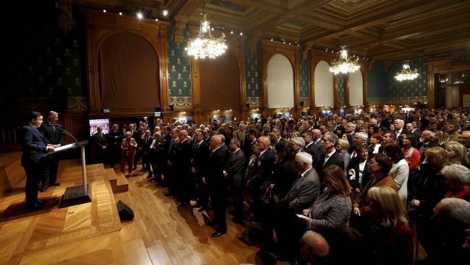 Un millier d'invités présents à la remise des insignes d'officier de la Légion d'honneur.