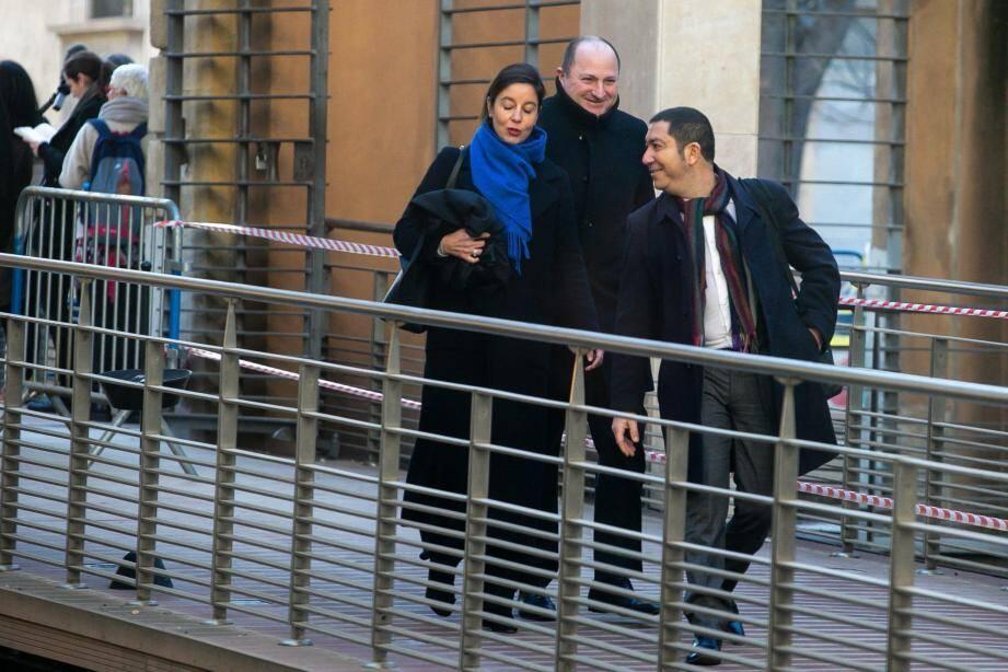 Fabrice Alcaud, précédé par ses avocats Mes Céline Astolfe et Hervé Oliel, au premier jour du procès à Aix-en-Provence.
