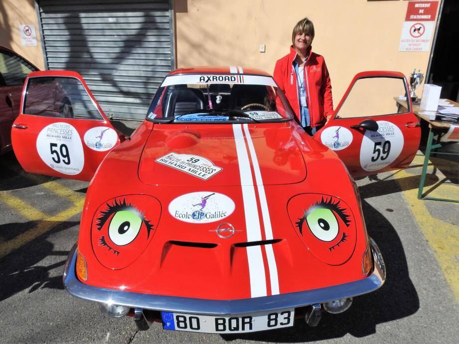 Chaque année, Laetitia Guarinos participe au rallye des Princesses au profit d'une association.