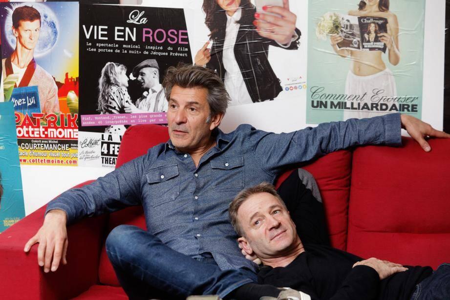 Pose comique pour la photo, lors de l'interview dans les loges du Colbert, avec Fred Bianconi et Luc Sonzogni.