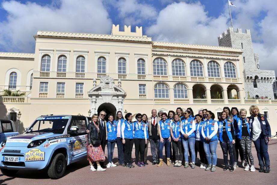 Le prince Albert II, soutien du projet via sa fondation, a donné hier matin le top départ de la course, place du Palais.